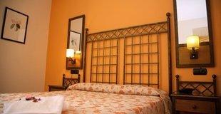 DREIBETTZIMMER Hotel ATH Santa Bárbara Sevilla