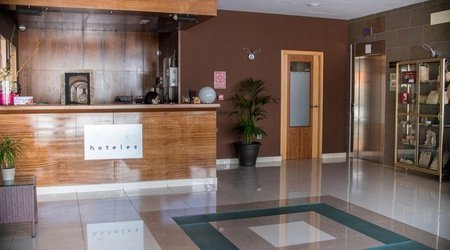 Recepción Hotel ATH Al-Medina Wellness